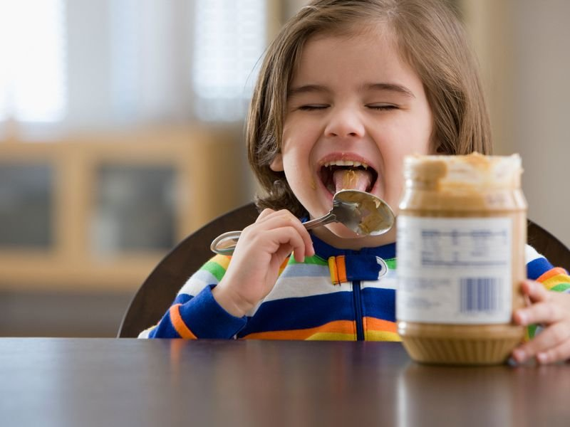 Most kids who suffer from peanut allergy experience skin reaction like redness, runny nose and shortness of breath.