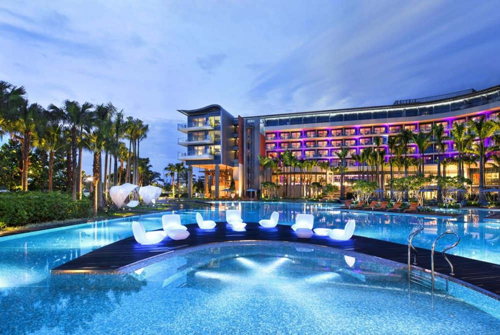 The Sentosa cove is now known as the playground of rich and famous with its futuristic and out of this world properties.