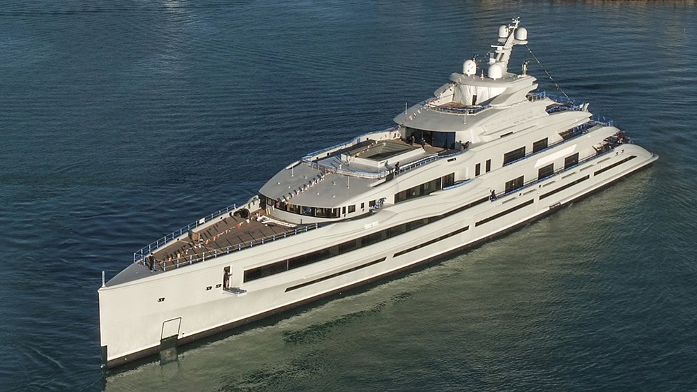FB277 serves as the third giga-yacht Benetti ever built and docked in Livorno shipyard.
