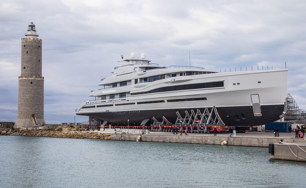Benetti remains the only private Italian shipyard capable of building mega and giga-yachts with over 265-feet long in size
